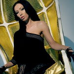 Martina play on a gold chair